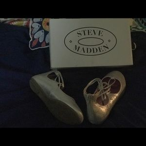 Steve Madden girls silver glitter flats